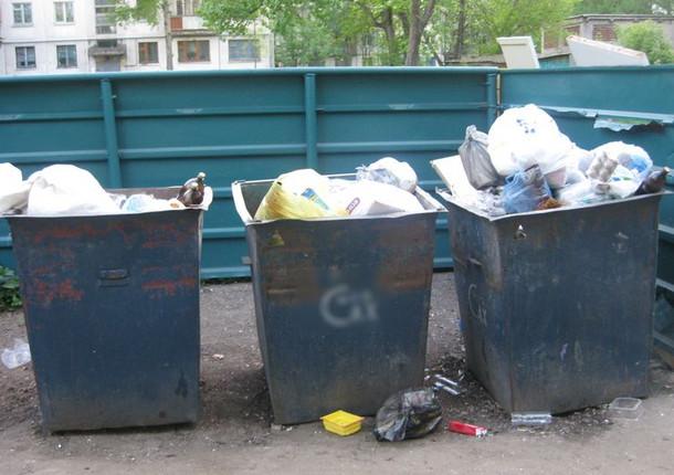 Уборку мусора с магистральных улиц Ижевска приостановлена